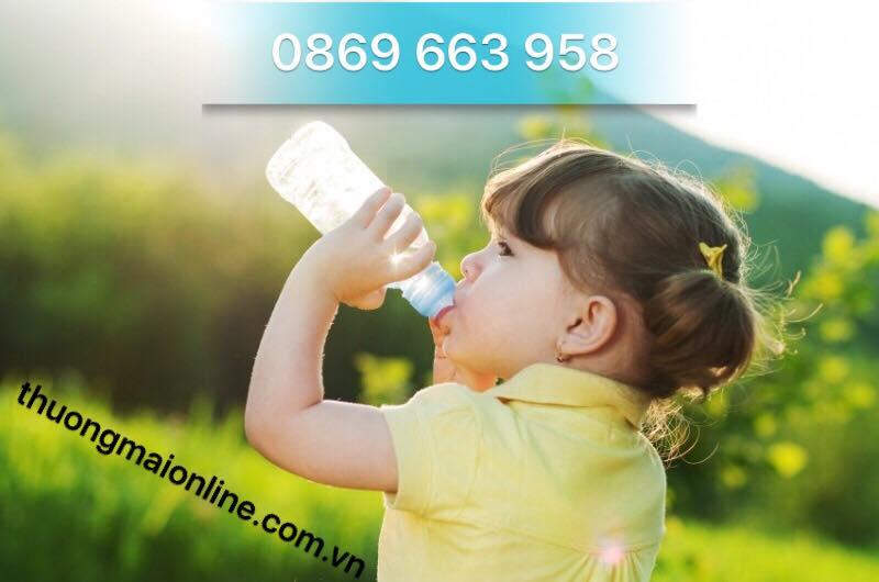 Cho bé uống nước khi nào là tốt nhất